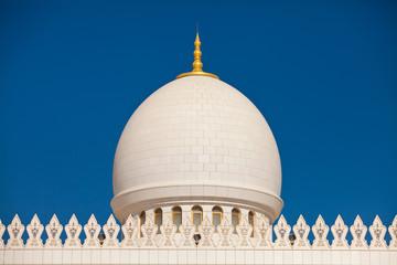 Kuppel der Sheikh Zayed Moschee in Abu Dhabi