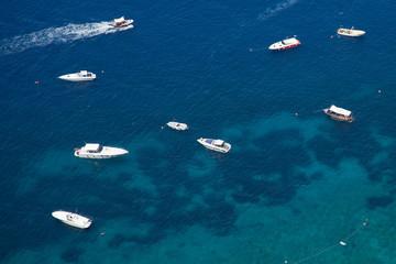 Schiffe im Wasser