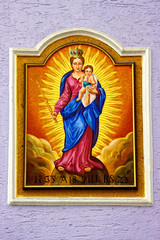 Gemälde an Hauswand Heilige Maria