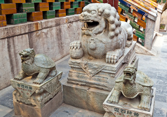 Chinese guardian lion and two tirtles