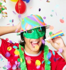 Niño de carnaval fiesta y disfraz.