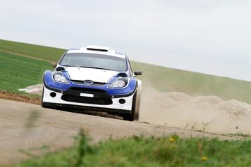 Printed roller blinds Fast cars voiture de sport dans le sable