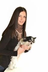 femme avec chien isolé