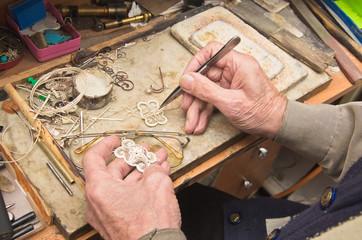 hands of  jeweller