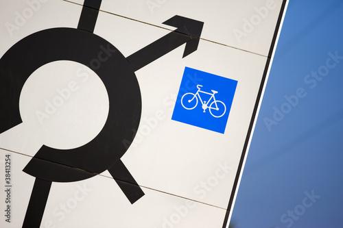 transport cyclable v lo code de la route signal route photo libre de droits sur la banque. Black Bedroom Furniture Sets. Home Design Ideas