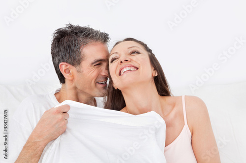 Ehefrauen kuscheln