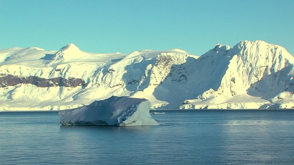 Fototapete - floating iceberg in antarctica