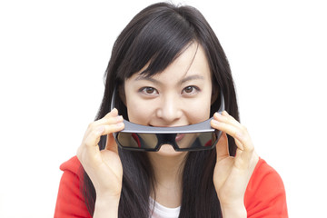 3Dメガネをかける女性