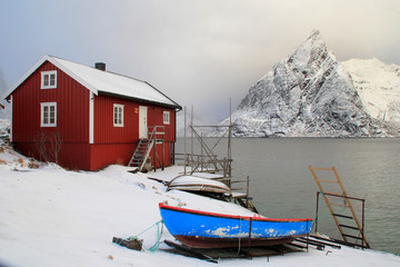 Wall Mural - Rorbu boat and Hamnøy's mount