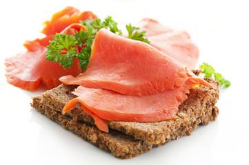 Brot mit Lachs