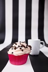 cupcake ciastko z kremem physalis