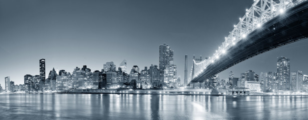 Fototapete - New York City night panorama