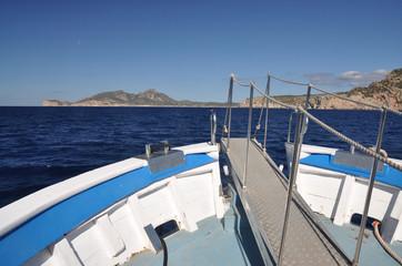 Boot an der Dragonera-Insel