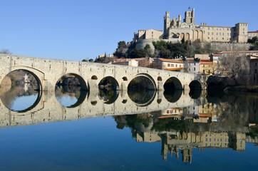 Les reflets de la ville de Béziers