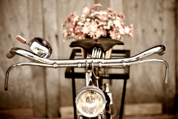 Aluminium Prints Bicycle Old bicycle and flower vase