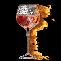 Glas Rotwein aus Eis