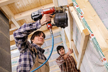 studwork: fixing the battens to the studs