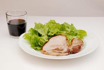 braciola di suino con insalata