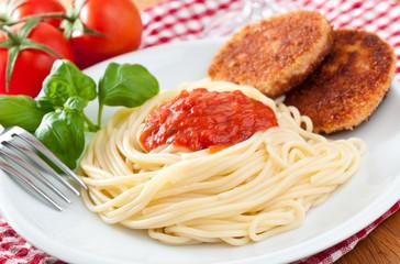 Spaghetti mit Jägerschnitzel DDR Version