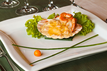 Coquille with shrimp and thyme