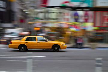 Foto auf AluDibond New York TAXI Taxi am Times Square, New York City, USA