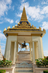 Royal Palace temple statue