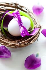 Osterei im Nest