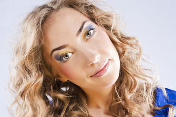 Curly blonde with bright makeup