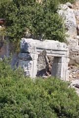 Руины старинного затонувшего города в Средиземном море. Турция