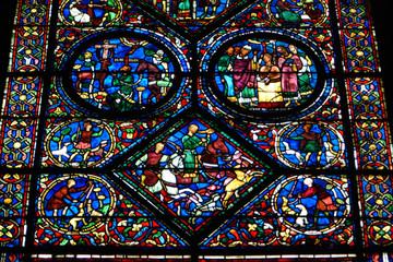 Foto op Plexiglas Stained Vitraux de la cathédrale de Chartres.