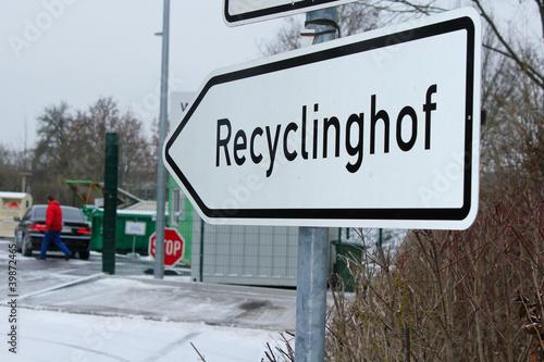 recyclinghof stockfotos und lizenzfreie bilder auf bild 39872465. Black Bedroom Furniture Sets. Home Design Ideas