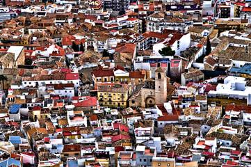 iglesia San Juan Jaén con tejados ciudad