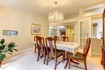 Classic American dining room interior.