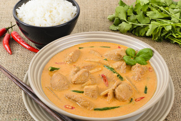 Kaeng Phet Gai - Thai Red Chicken Curry & Jasmine Rice