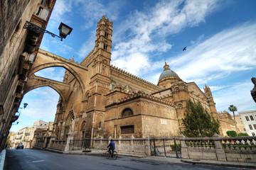 La pose en embrasure Palerme Cattedrale di Palermo