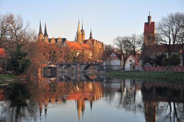 Fototapete - Domblick zu Merseburg am Morgen im Sonnenlicht