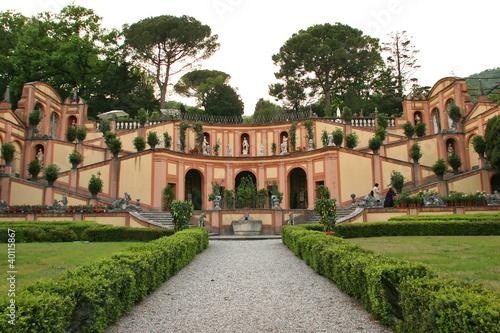 Giardino all 39 italiana immagini e fotografie royalty free - Giardino all italiana ...