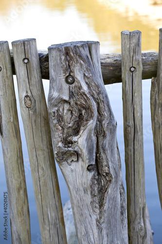 barri re cl ture bois naturel piquet rustique photo libre de droits sur la banque d. Black Bedroom Furniture Sets. Home Design Ideas