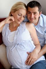 Paar erwartet Kind