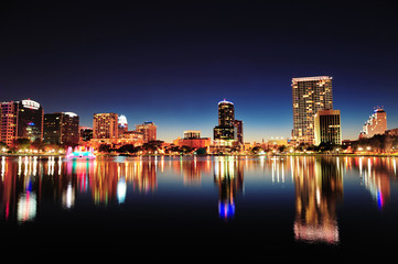 Fototapete - Orlando at night