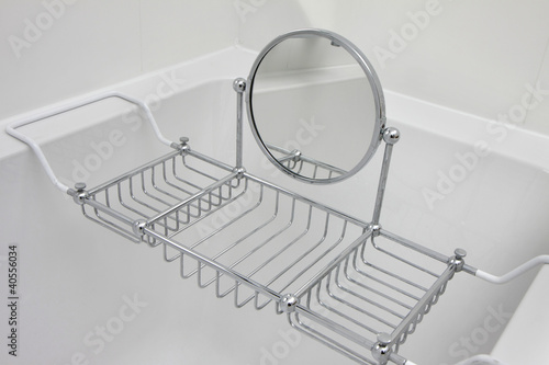 porte savon baignoire photo libre de droits sur la. Black Bedroom Furniture Sets. Home Design Ideas