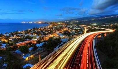 Fotomurales - Trafic dense sur la route des Tamarins.