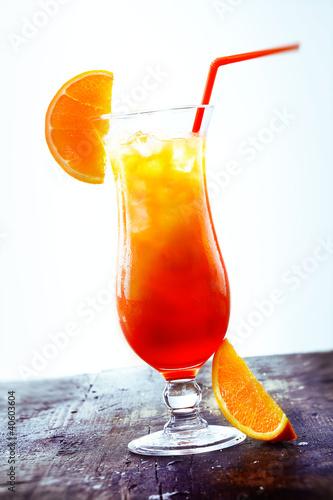 kokteyli-alkogolnie-seks-na-plyazhe