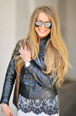 Portrait of beautiful glamour fashionable woman in sunglasses