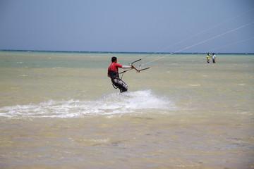 Kitesurfen - Kiteboarden im Roten Meer