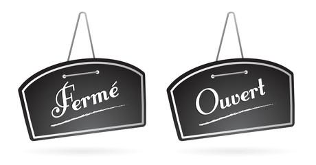 panneau, pancarte de restaurant : fermé, ouvert