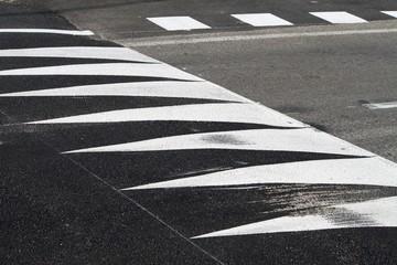 Signalisation horizontale de ralentisseur