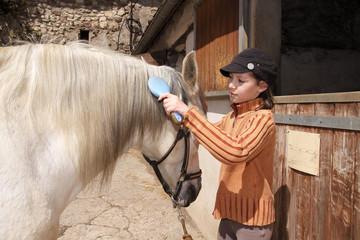 enfant pansage cheval 11