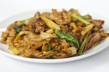 Stir Fried Rice Noodle With Chinese Broccoli (Pad See Eiw)