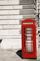 Foto op Canvas Rood, zwart, wit London Red Telephone Booth